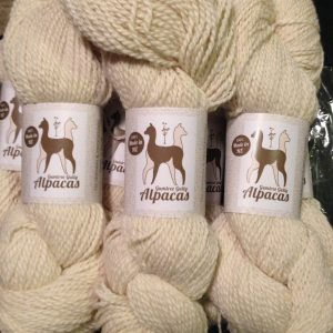 white alpaca/merino 8ply 4ply knitting yarn super soft